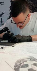 Te sorprenderá saber cuánto gana un tatuador con sus creaciones