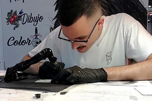 Cursos de tatuajes en Madrid, qué puedes aprender en el Curso