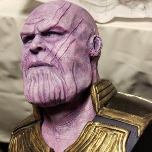 Escultura de Thanos para videojuegos